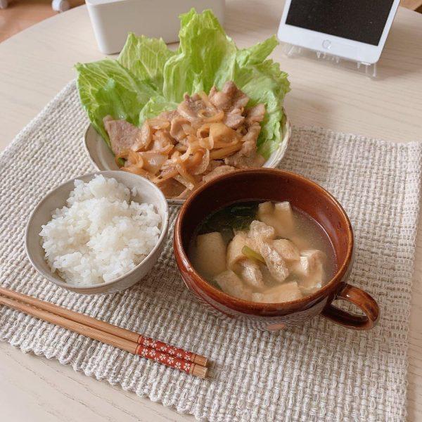 豚の生姜焼きの昼ごはん