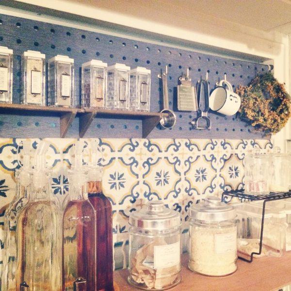 キッチンに壁と棚を設置した簡単DIY