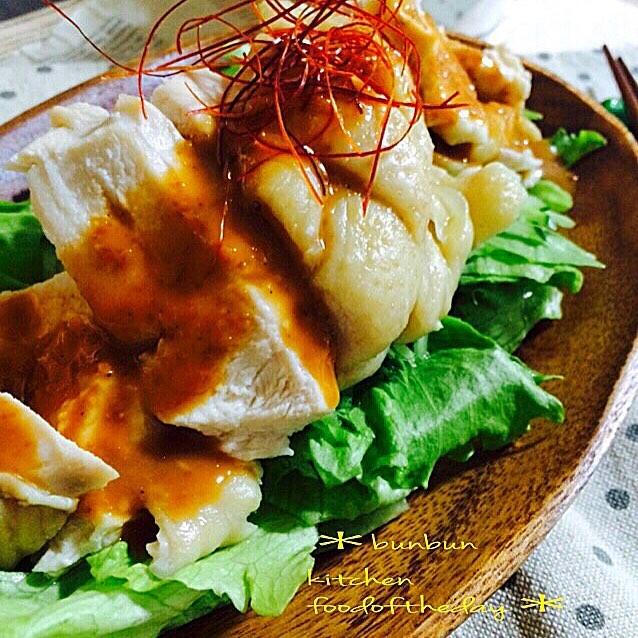 ヘルシーな主菜!鶏肉の蒸し鶏怪味ソース