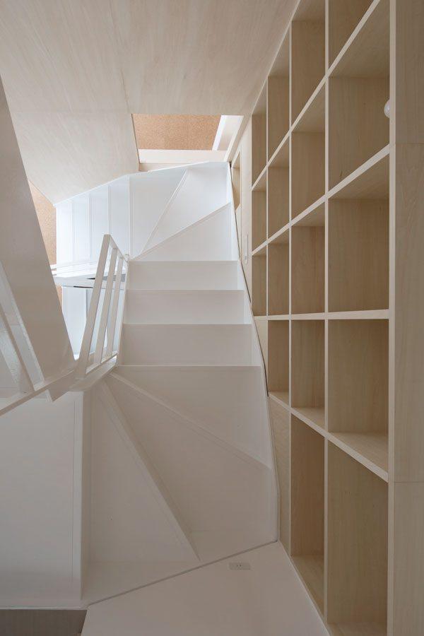 デザイン性が高いおしゃれな階段5