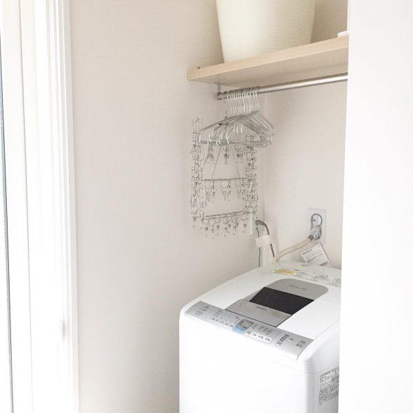 洗濯機上のハンガーバーが便利