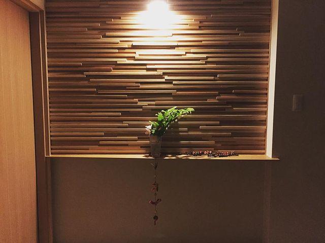 壁の内装デザインが美しい和モダン玄関