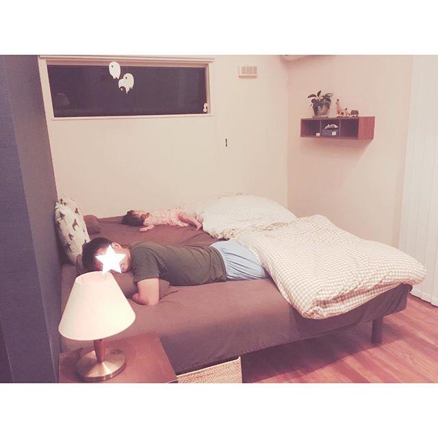 温かみのある寝室コーディネート