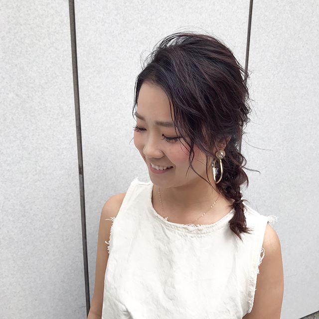 前髪なしのルーズなサイド編み