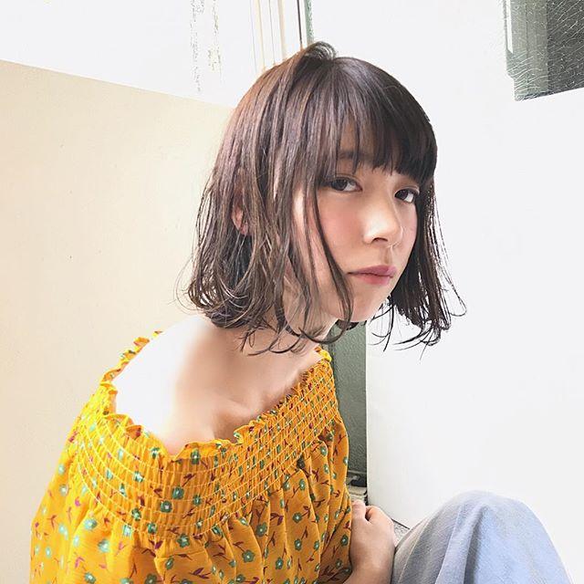 幅狭めなシースルーの前髪×ウェットボブ