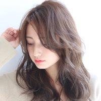 透明感溢れる、柔らかい髪色特集。大人の女性に似合うおすすめ人気ヘアカラー。