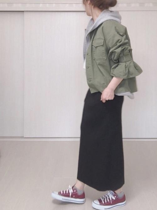 ユニクロスカート×ブルゾンの30代春コーデ