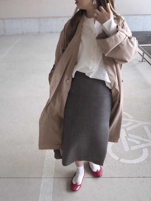 赤バレエシューズ×リブスカート