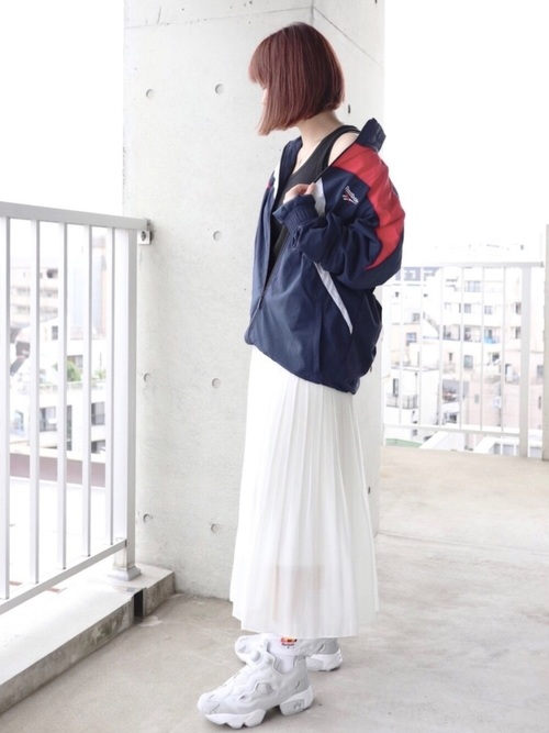 ユニクロ白プリーツスカートの30代春コーデ
