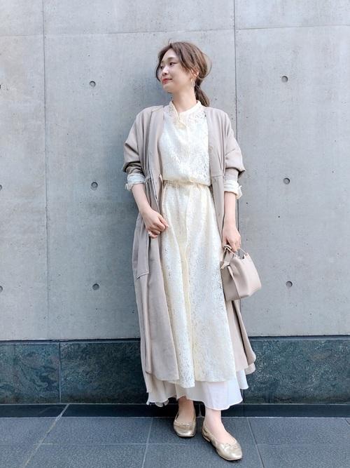 白レースワンピース×白スカート