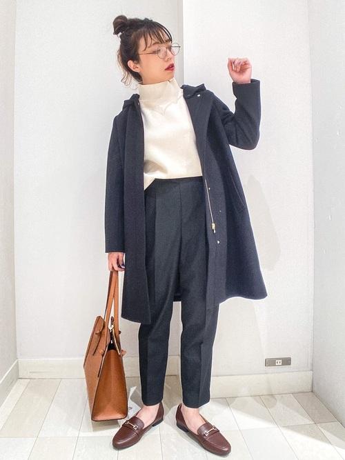 ネイビーコート×ネイビーパンツの冬の服装