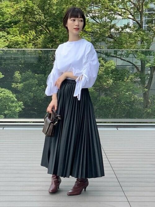 [BEAMS WOMEN] Demi-Luxe BEAMS / フェイクレザー プリーツスカート