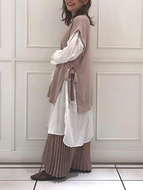 ロングベスト×プリーツスカート