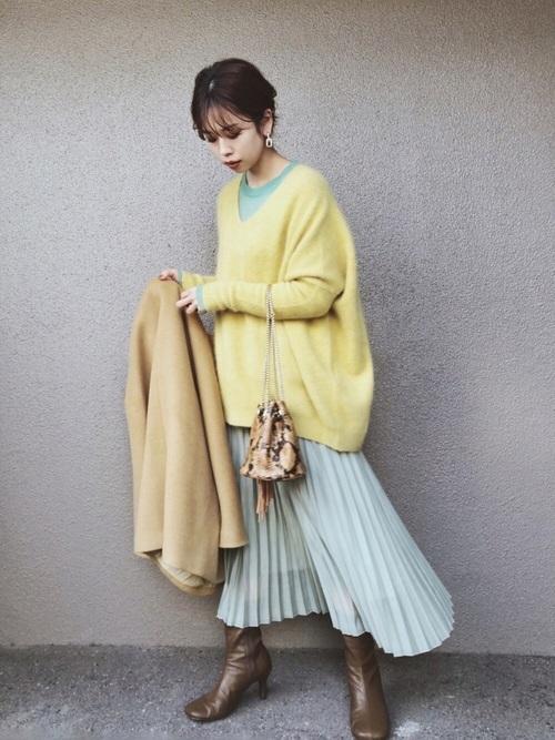 GUのグリーンプリーツスカート