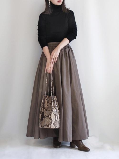 [rectangle] タフタロングスカート