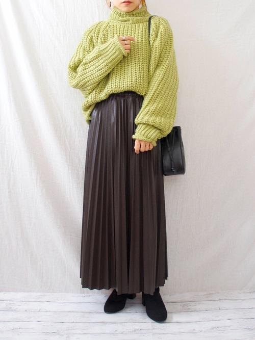 しまむらレザープリーツスカート