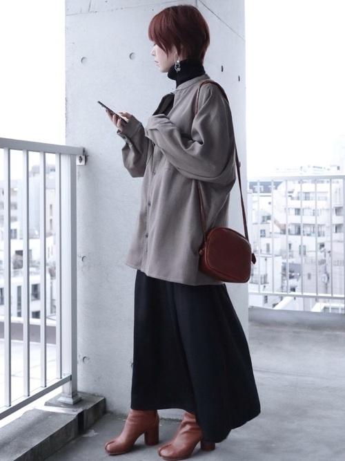 GUのサテンフレアスカート
