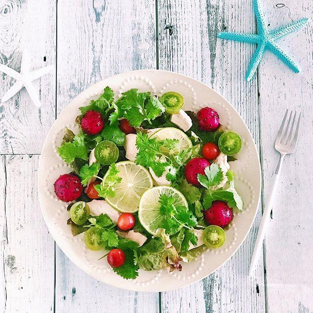赤と緑が綺麗!彩り満点のおしゃれサラダ
