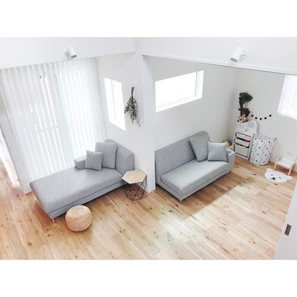 窓際におすすめ快適ロングソファ