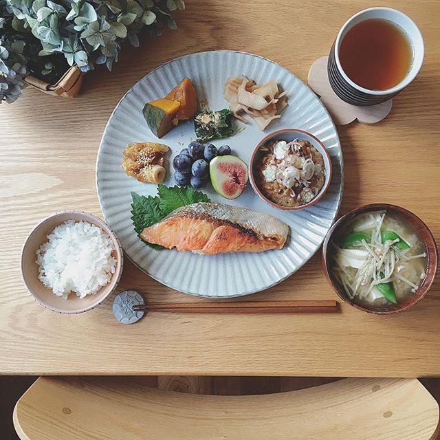 和食料理は綺麗な配置でおしゃれに見せる