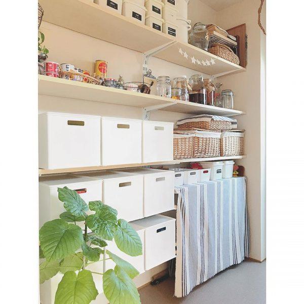 高さ調節のできる棚で使いやすく整理収納