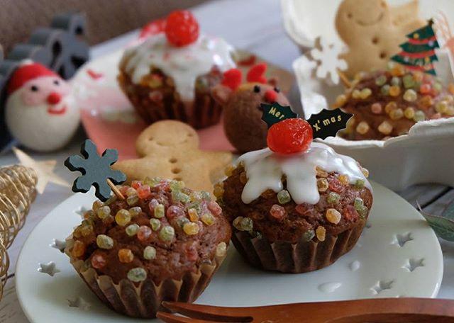 キュートなクリスマスデコレーションカップケーキ
