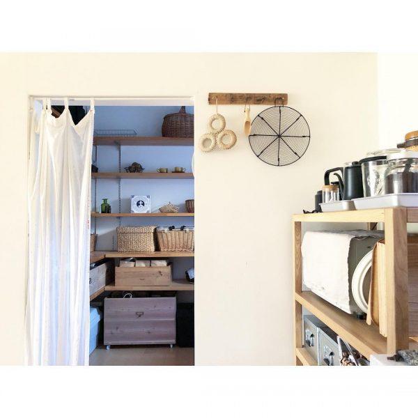 すっきり整ったキッチンを叶えるパントリー収納