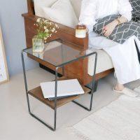 どこに置いても空間に馴染む。上品なヴィンテージ感のある「サイドテーブル」