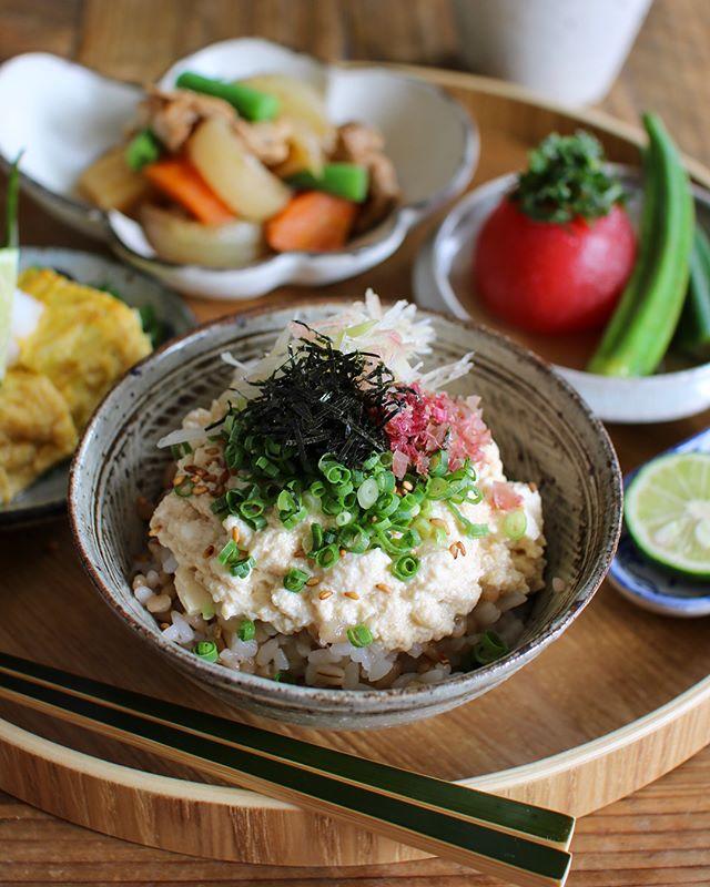 人気のさっぱりレシピ!梅風味の豆腐丼