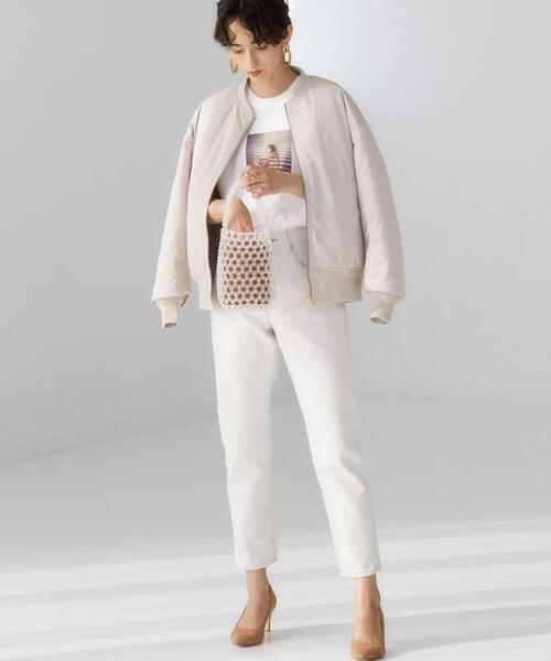 プリントTシャツ×ホワイトデニム