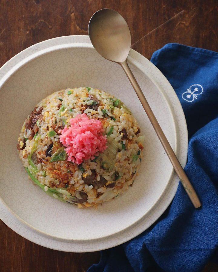 自家製紅生姜でどて焼き卵レタス炒飯