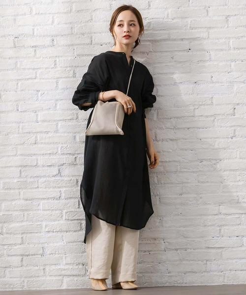 黒ロングシャツトップス×パンツの春コーデ