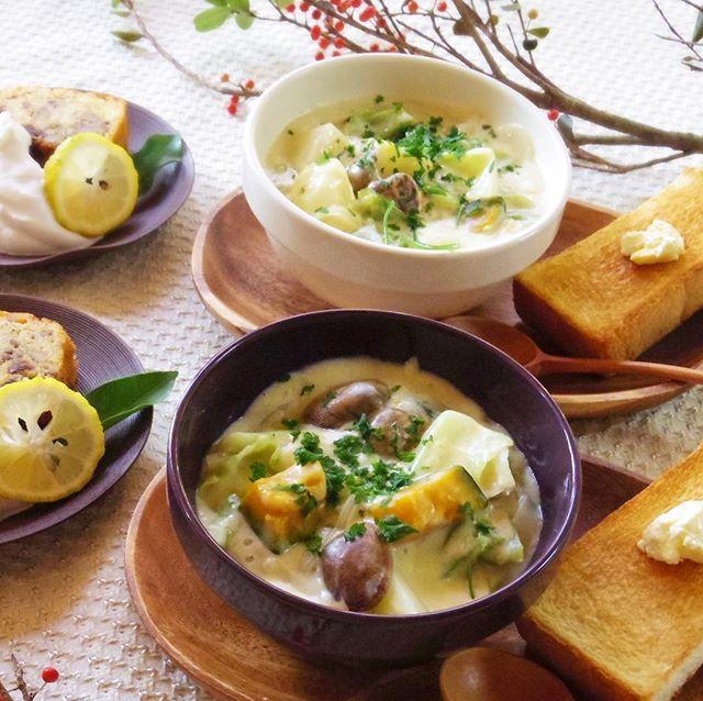 キャベツと玉ねぎの「クラムチャウダー風スープ」