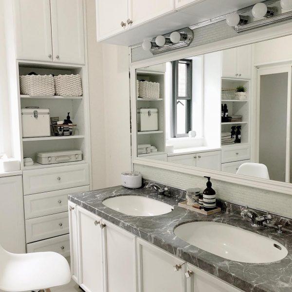 ホワイト×グレーで素敵な洗面所に
