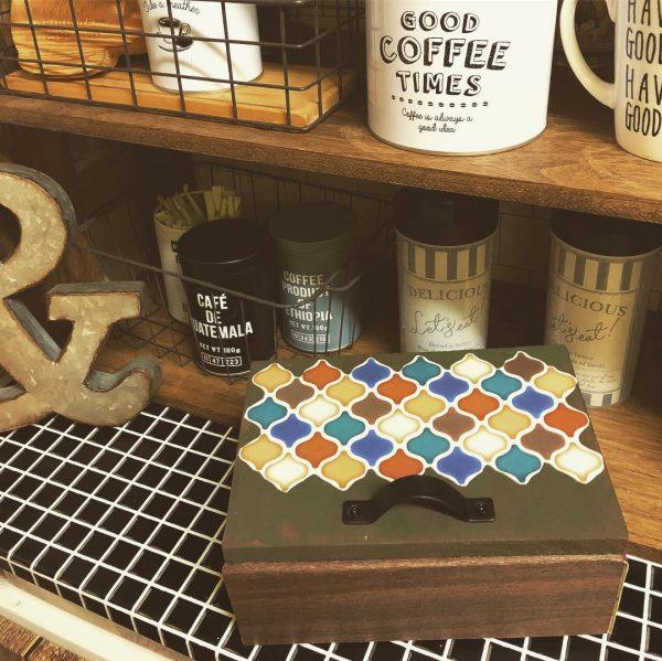 木箱を簡単にDIYする寝室インテリア