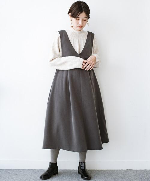 ジャンパースカート×黒ブーツ