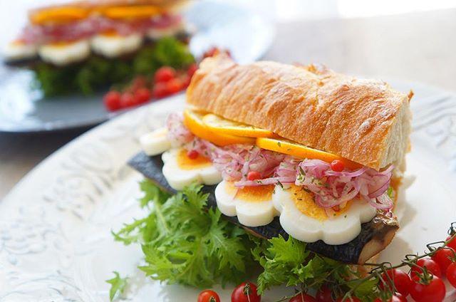 見た目がキュート!お花のサンドイッチ