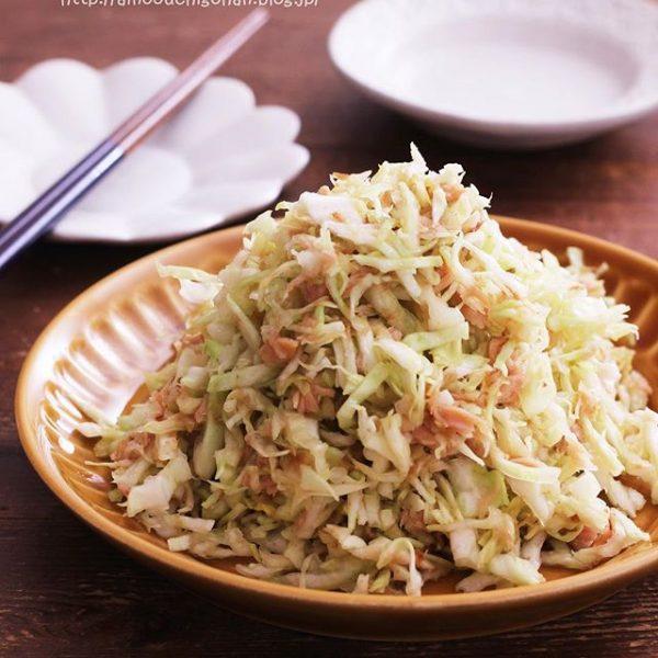 簡単副菜レシピ!山盛りキャベツとツナサラダ