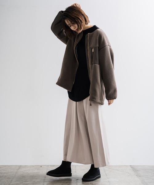 ボアブルゾン×サテンスカート