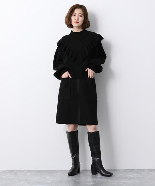 黒フリルニット×黒ロングブーツ