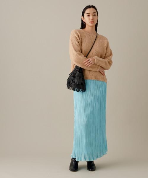 サテン変形プリーツスカート