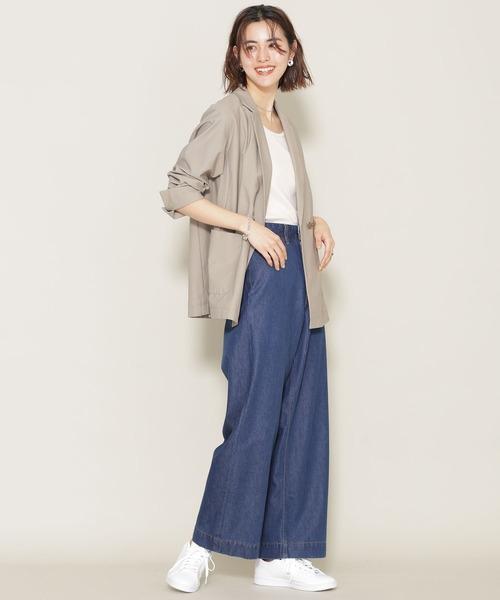 フレアデニム×ジャケットの春ファッション
