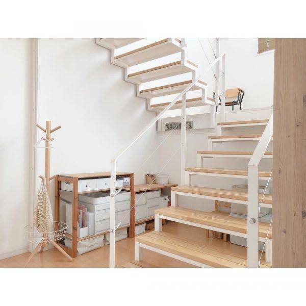 すっきり気持ちの良い階段下収納