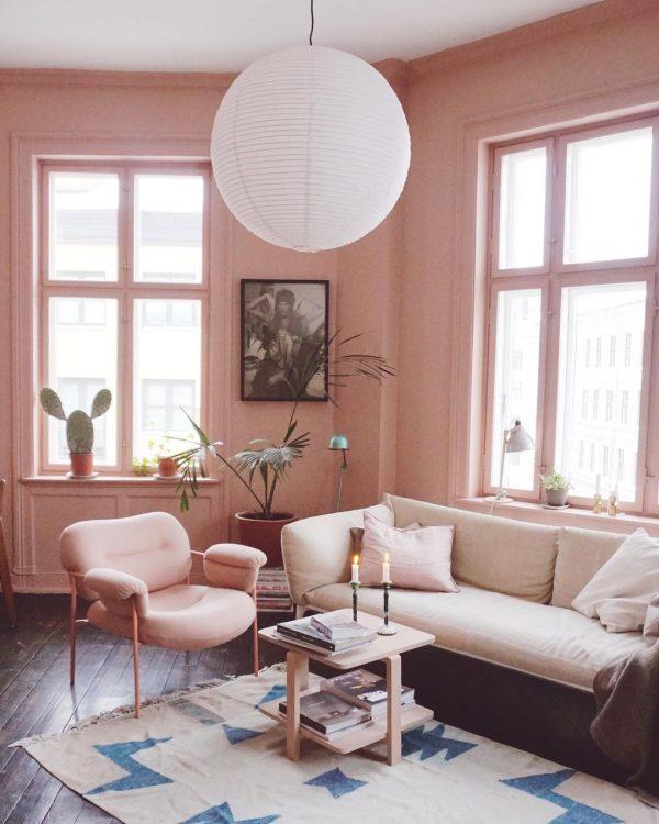 同色でまとめて統一感のあるお部屋にする