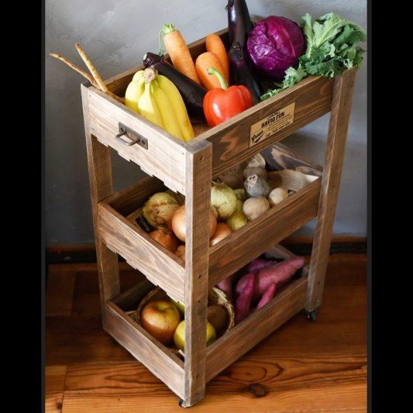 野菜が入るすのこワゴンの100均インテリア