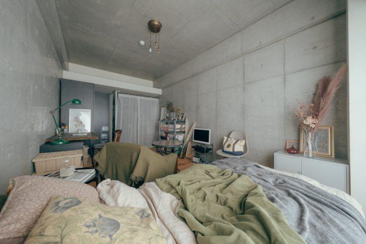 部屋の奥に行くにつれて落ち着ける空間。