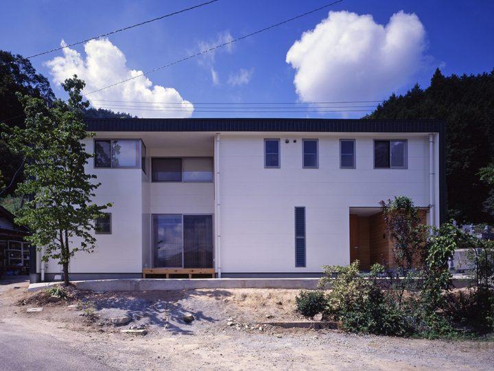 ナチュラルモダンな外観の家11