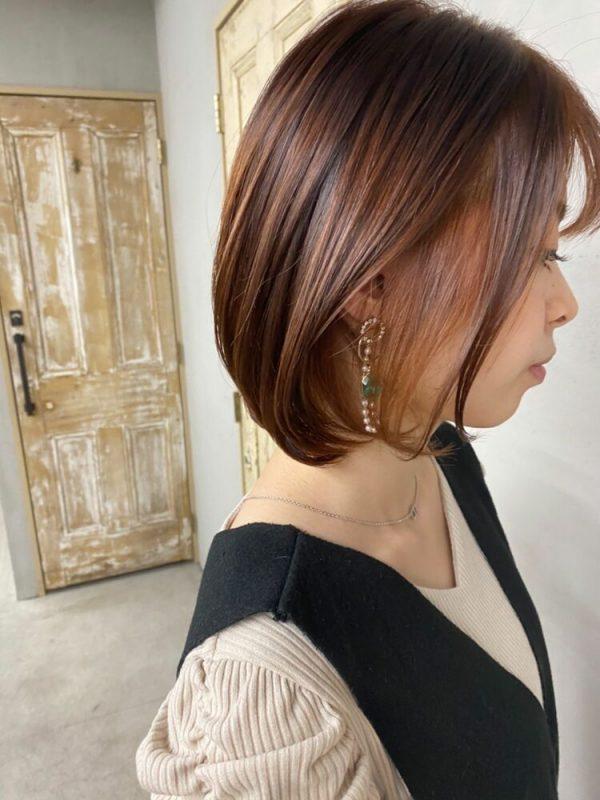 きれいめな髪型にマッチするイヤリングカラー