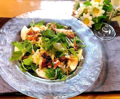 三つ葉と蕪の梅ドレ香味サラダ