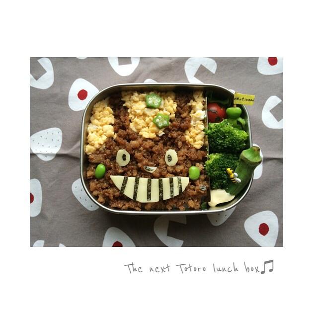 そぼろのトトロで子供が食べやすいお弁当